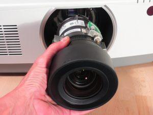 Objektivwechsel NEC PA803UL